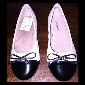New White MT.Cream And Black Patent Leather Flats